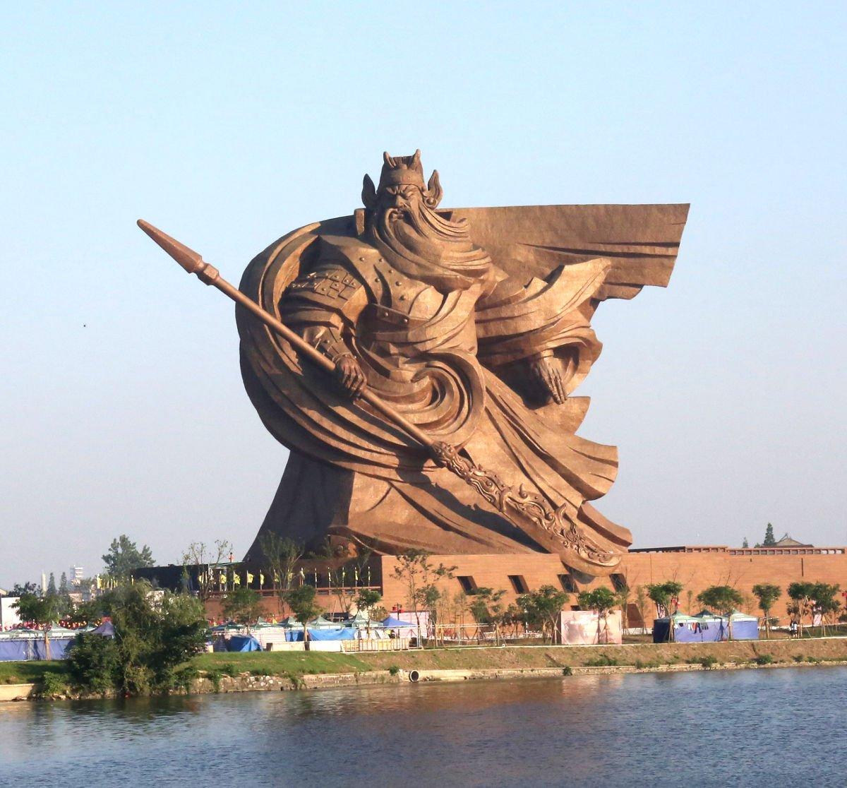 Patung Guan Yu di Jingzhou