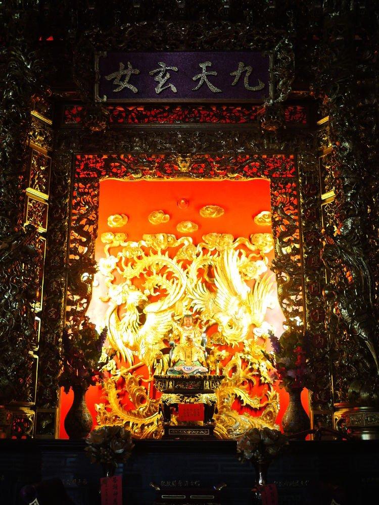 Altar Dewi Jiu Tian Xuan Nu (九天玄女) di Kuil Baikeng Yusheng, Huxi, Pulau Penghu, Taiwan